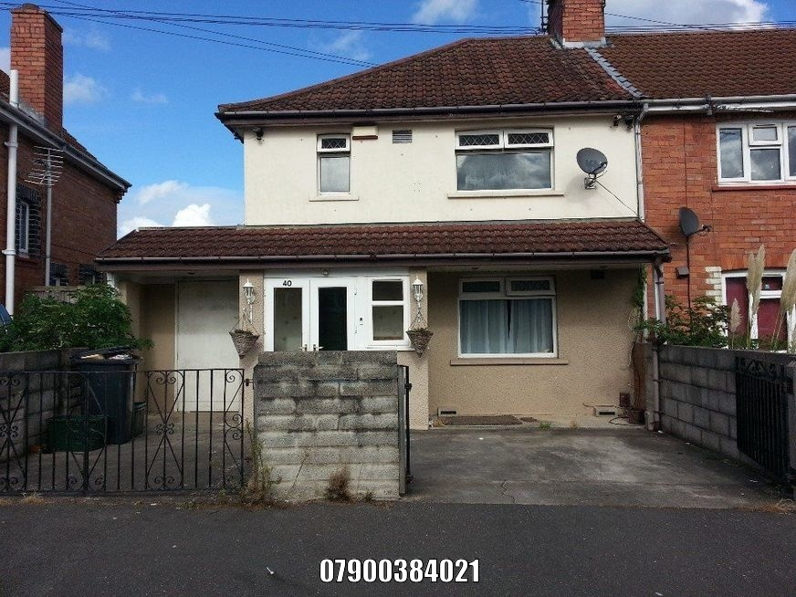 To rent semi detached house Knowle, 4 beds £1200 PCM  Private