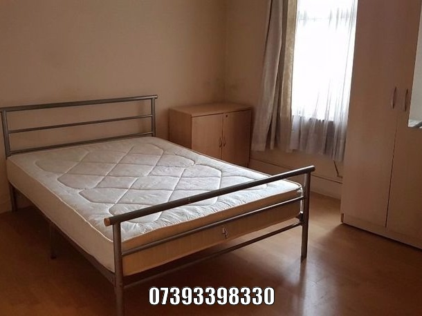 to rent falt East Ham