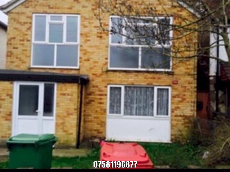 2 bedroom house for rent private landlord in slough. house detached slough listing id 380 image 1to rent 2 beds 1200 bedroom for private landlord in