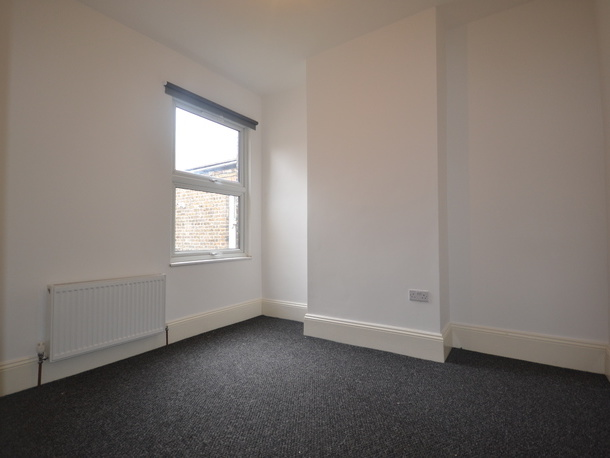 to rent falt Walthamstow