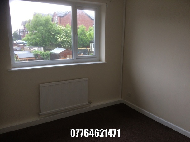 for sale falt Little Hulton